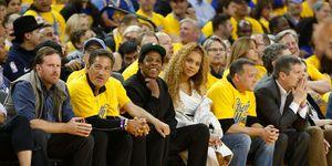 Beyoncé, Jay-Z, Italië, uit eten, ovatie, klappen, romantisch, Beyoncé en Jay-Z krijgen een staande ovatie na het eten, restaurant,Capri, On theRun, Europa, vakantie