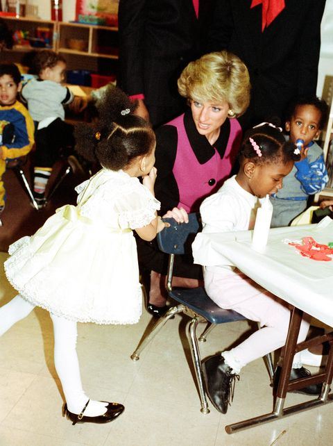 epfccd princess diana visits day nursery in new york, during visit to the us, 2nd february 1989