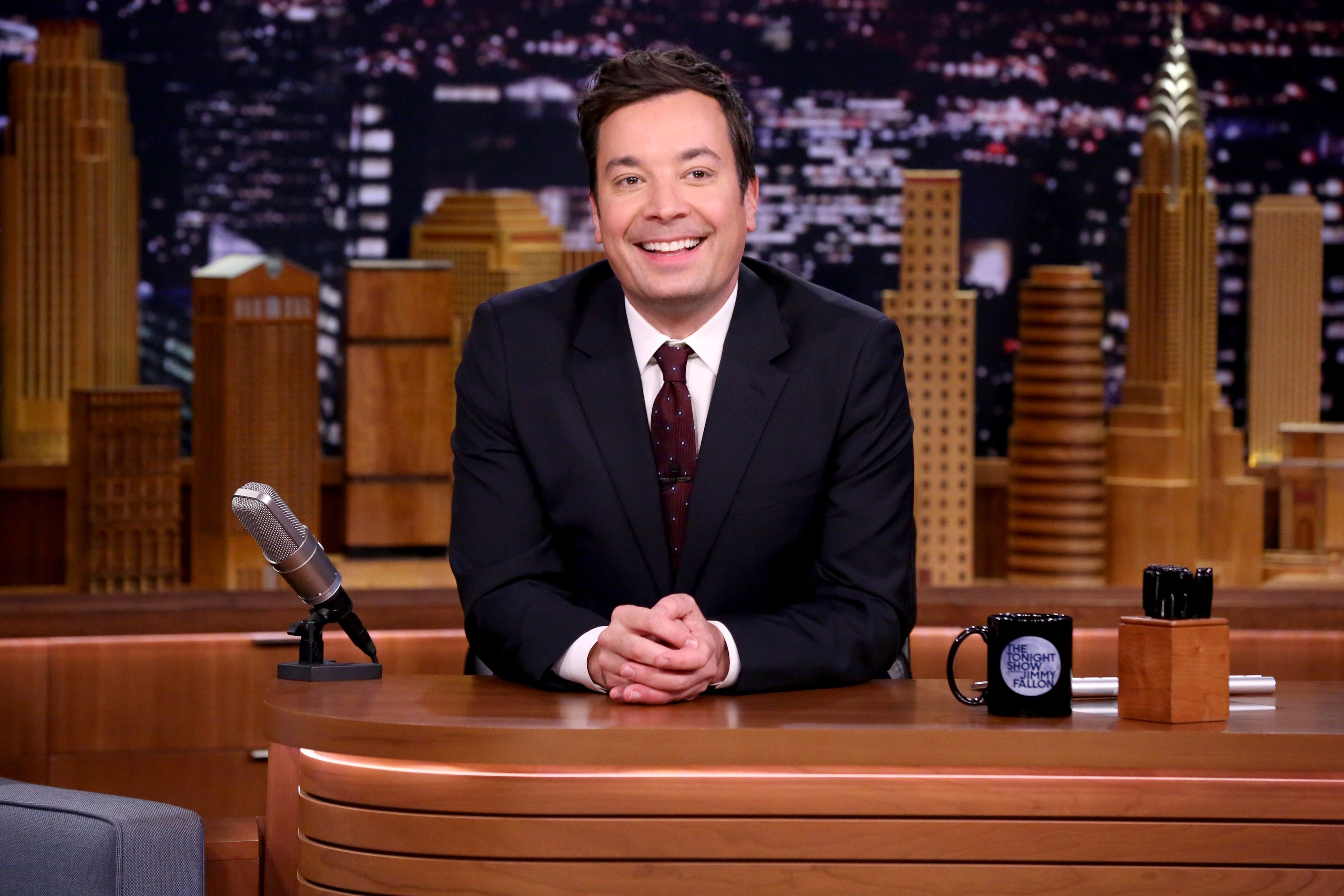 Jimmy Fallon Paid A Table\'s Huge Tab For Not Bothering Him During Dinner