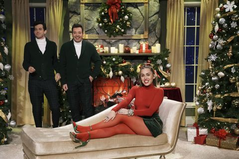 Watch Miley Cyrus Santa Baby Jimmy Fallon Miley Cyrus Just Made