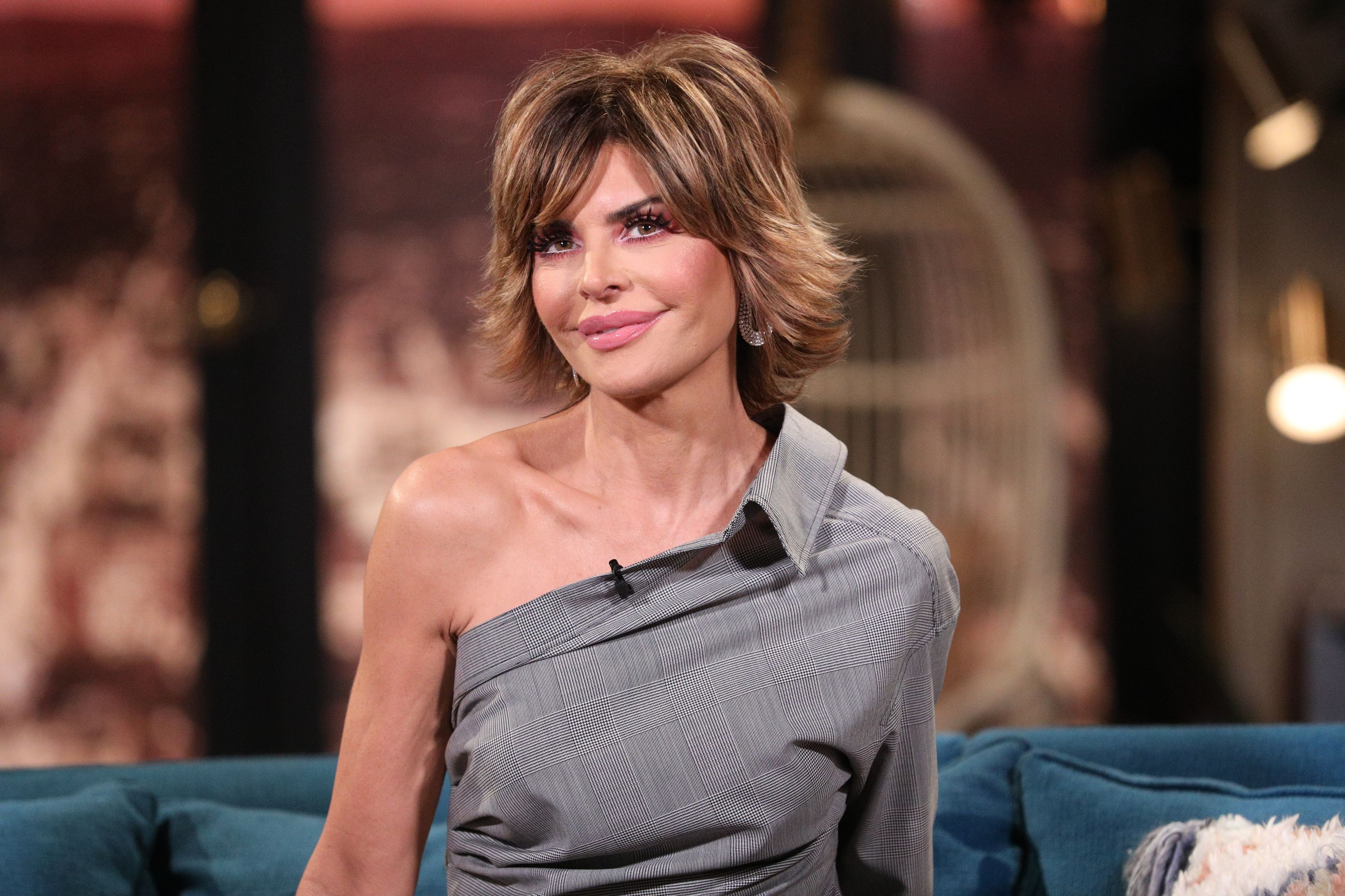 Lisa Rinna Just Posted An Insane Bikini Pic And You NEED To See Her Abs