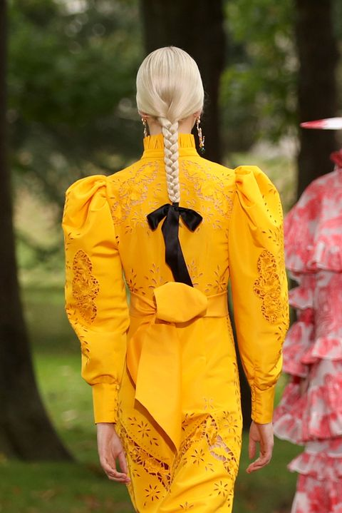 Yellow, Outerwear, Walking, Dress, Recreation, Leisure, Costume, Vacation, Tourism,