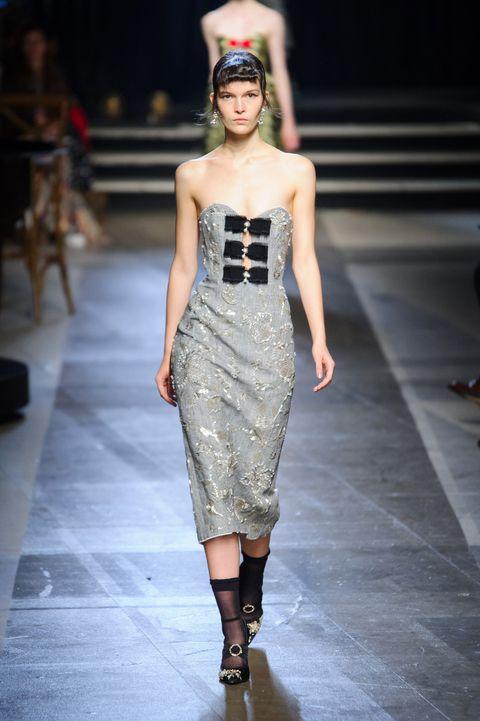 Fashion model, Fashion, Fashion show, Runway, Clothing, Dress, Shoulder, Haute couture, Fashion design, Footwear,