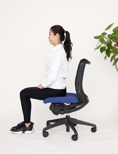 Office chair, Sitting, Furniture, Chair, Leg, Auto part, Gesture,