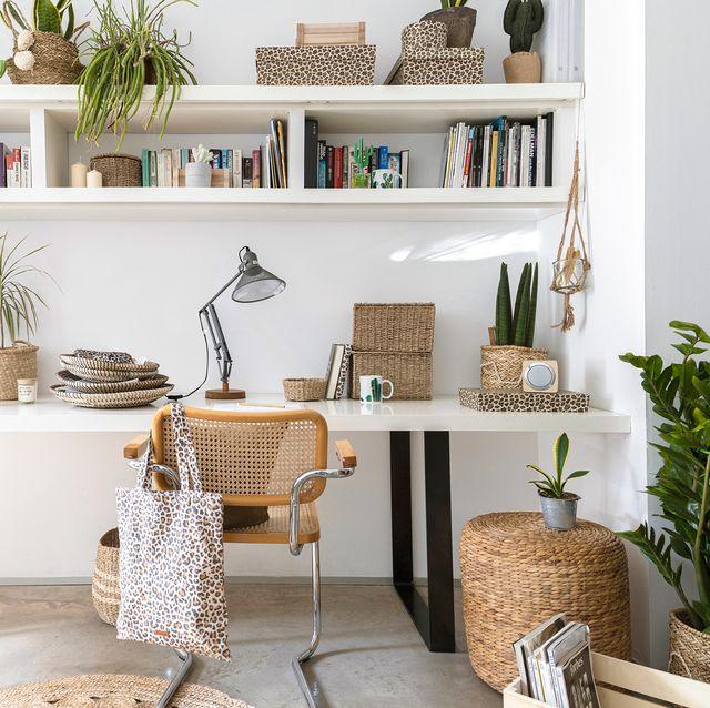 escritorio decorado con fibras naturales