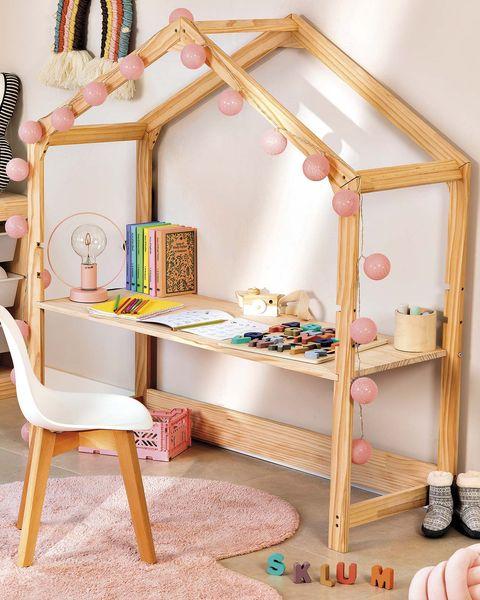 escritorio infantil con forma de casita