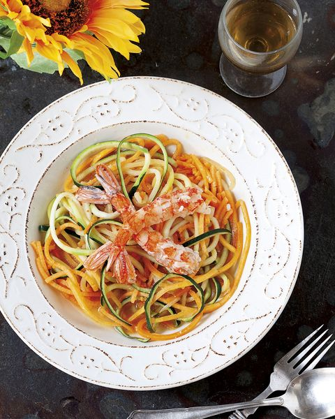 espaguetis de calabacín y calabaza con gambones