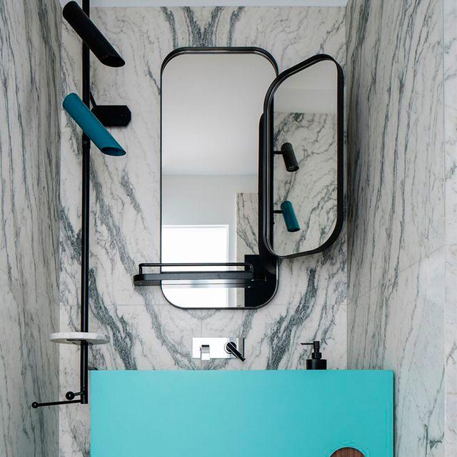 10 ideas para colocar espejos diferentes en tu cuarto de baño