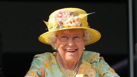 Hat, Yellow, Headgear, Fashion accessory, Costume hat, Smile, Costume,