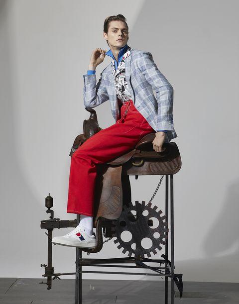 Shoe, Dress shirt, Shirt, Collar, Style, Sitting, Knee, Fashion, Bag, Blazer,