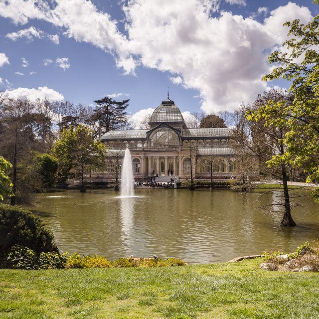 palacio de cristal del parque del buen retiro madrid