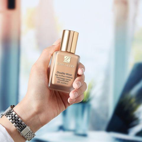 Skin, Nail polish, Nail, Product, Beauty, Nail care, Cosmetics, Hand, Finger, Material property,