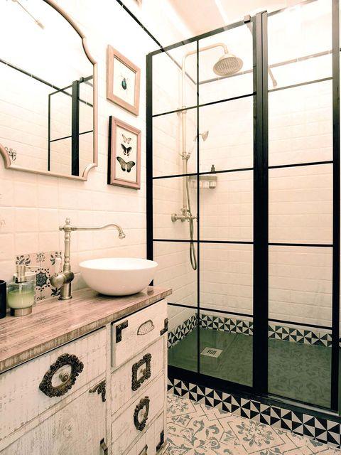 Mobiliario de baño estilo retro