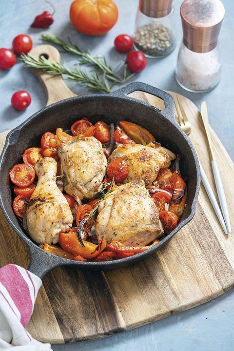 estofado de pollo con tomate y romero