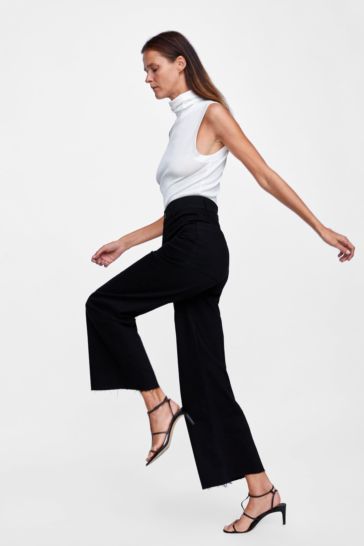 e3dc717004 Estos son los pantalones vaqueros negros de Zara que hacen tipazo