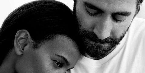 Jake Gyllenhaal, eternity, calvin klein, perfume, anuncio, campaña, colonia, familia, liya kedebe, hija, padre, publicidad, campaña de moda, actor