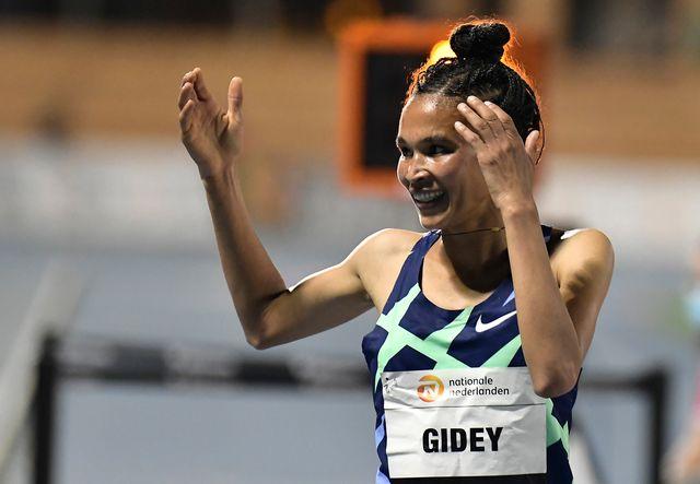 letesenbet gidey celebra el récord mundial de 5000 metros en valencia