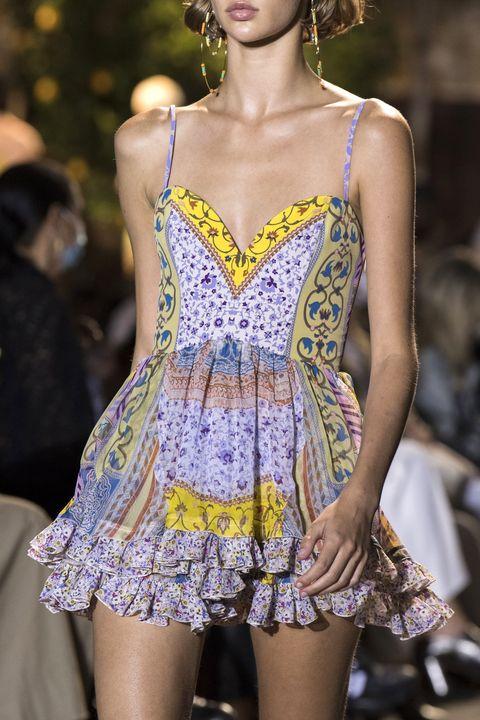 vestiti moda primavera estate 2021 tendenza fiori