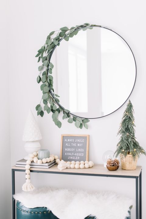 f134315b 70+ DIY Christmas Decorations - Easy Christmas Decorating Ideas