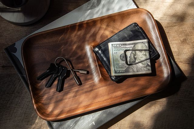 valet with keys and wallet