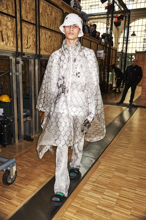 Fashion, Fur, Fashion design, Outerwear, Fur clothing, Textile, Haute couture, Costume, Art,