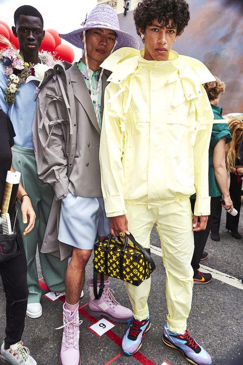 People, Fashion, Yellow, Snapshot, Street fashion, Child, Human, Cool, Footwear, Street,
