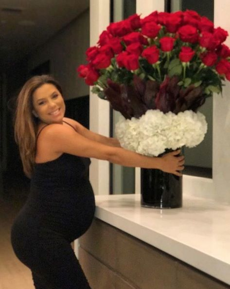 Flower, Red, Bouquet, Beauty, Plant, Cut flowers, Floristry, Flower Arranging, Rose, Floral design,