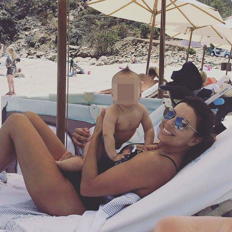 Eva Longoria con hijo