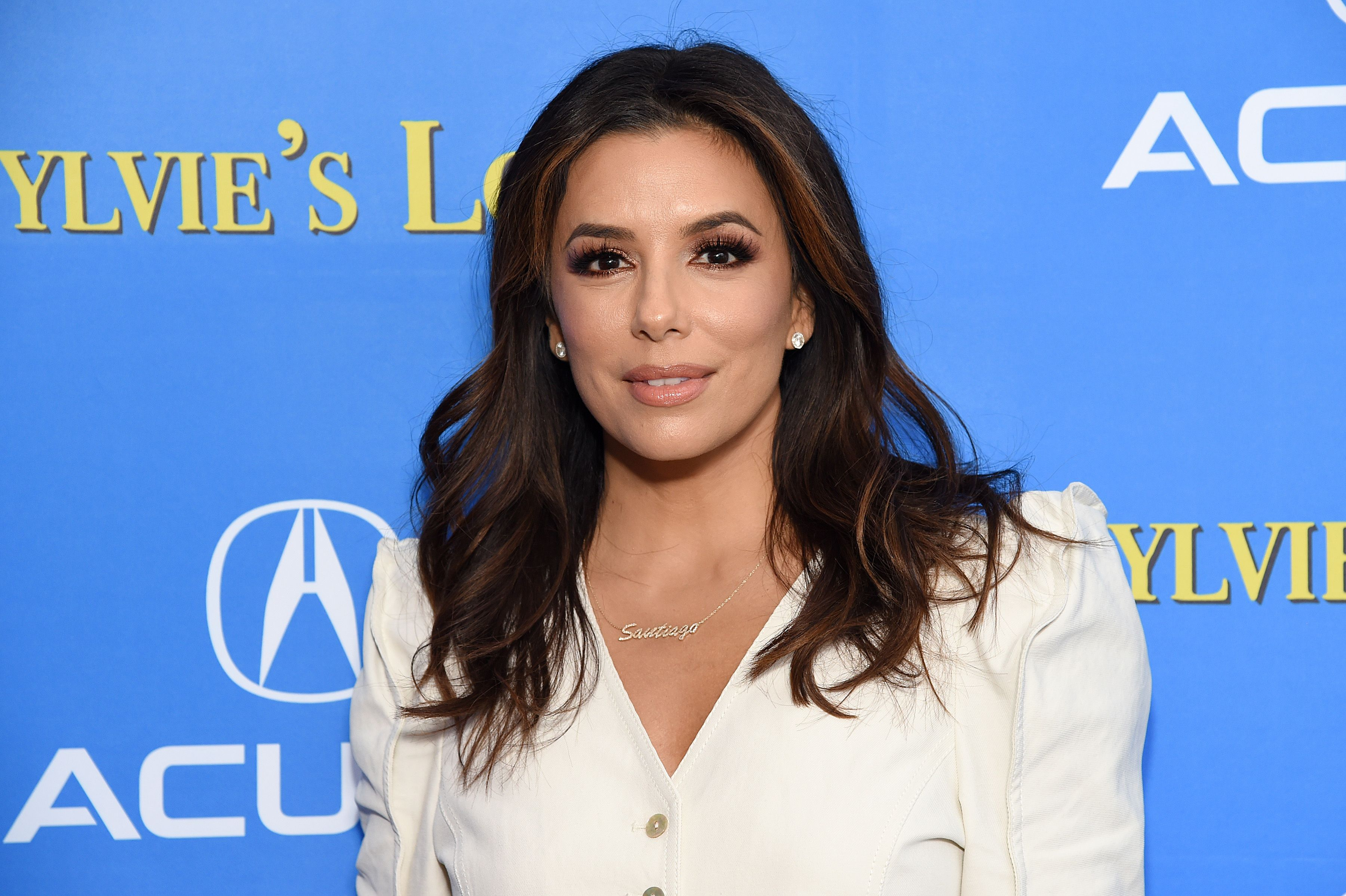 Eva Longoria Perfectly Covers Up Her Gray Roots With A 9 Box Dye