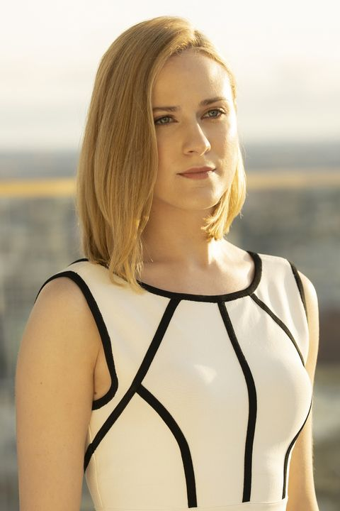 Hair, Blond, Beauty, Shoulder, Hairstyle, Neck, Model, Photography, Long hair, Photo shoot,