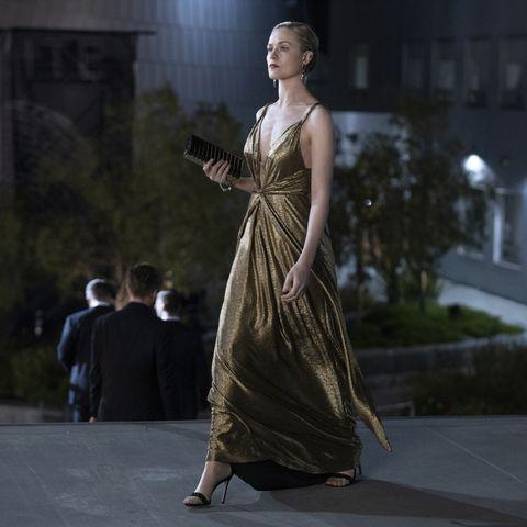 Fashion, Dress, Beauty, Fashion model, Performance art, Fashion design, Haute couture, Gown, Performance, Model,
