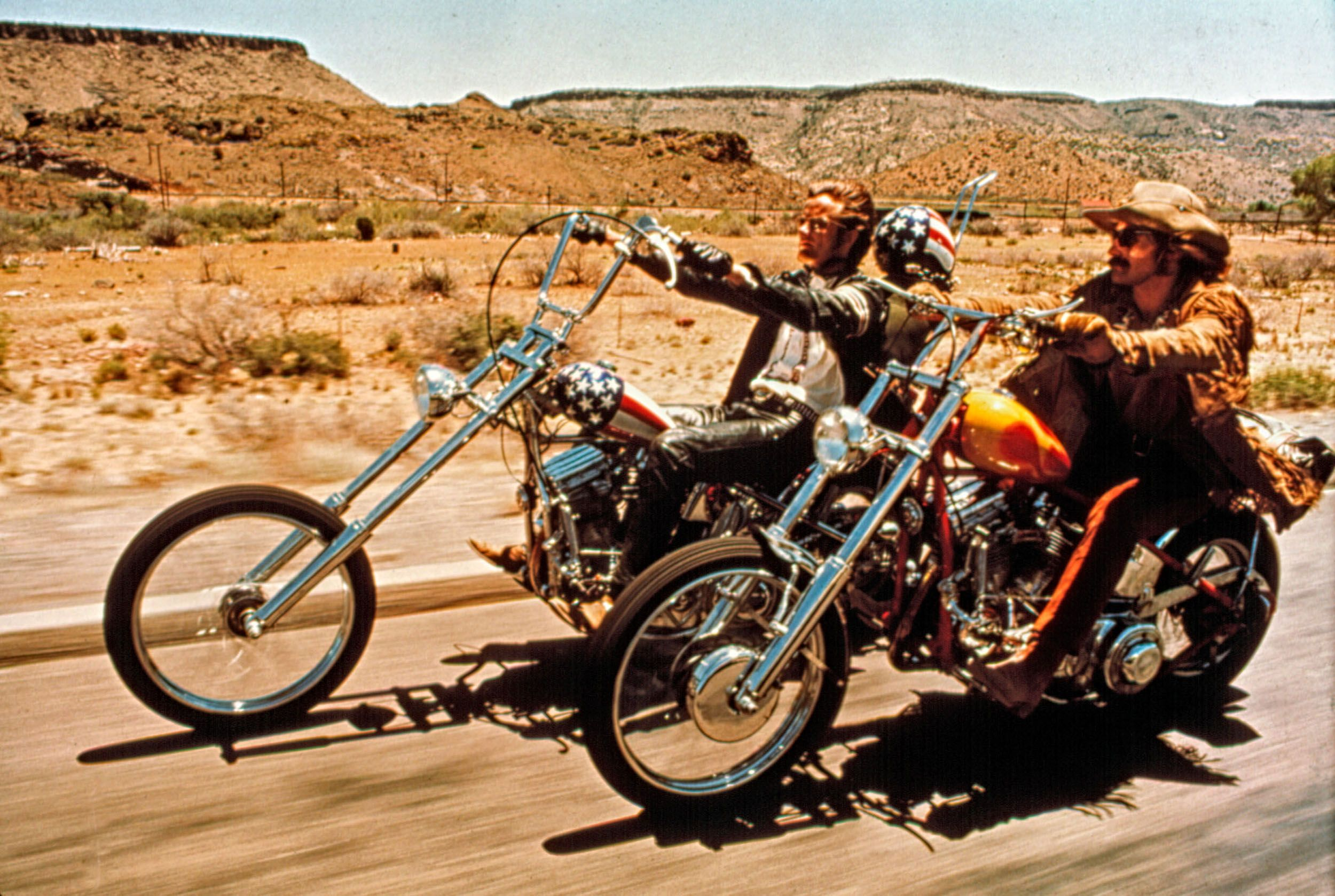 Peter Fonda and Dennis Hopper in Easy Rider .