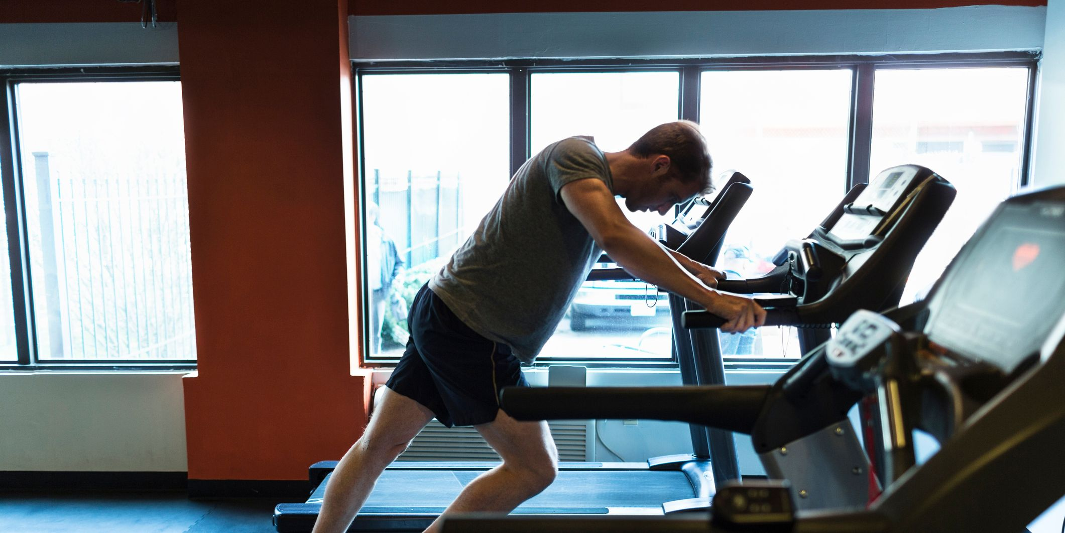 How to avoid getting injured on the treadmill