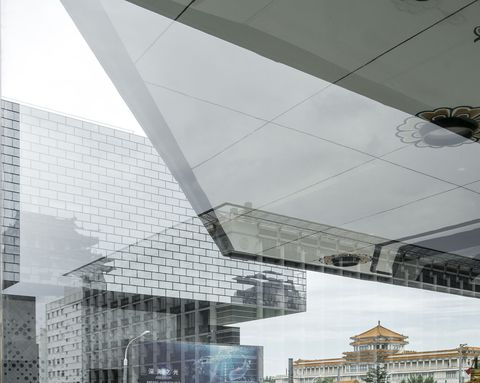 Architecture, Line, Building, Ceiling, Facade, Daylighting, Design, Roof, Glass, Material property,