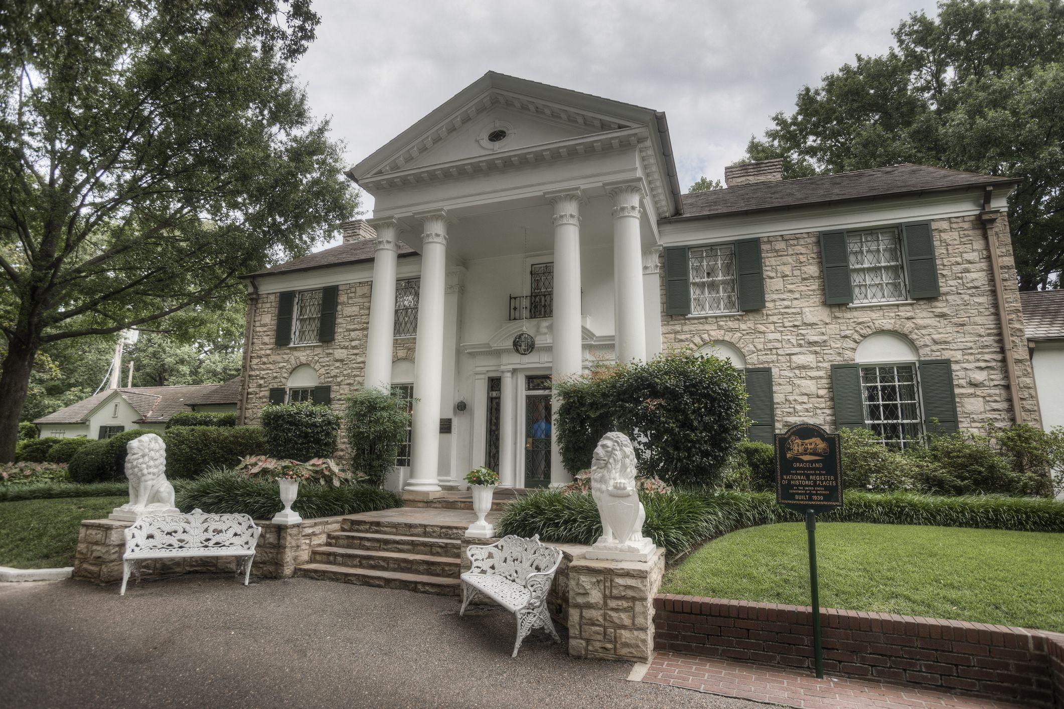 Elvis Presley's House, Graceland Mansion Facts - Graceland Hours, Tours, and More