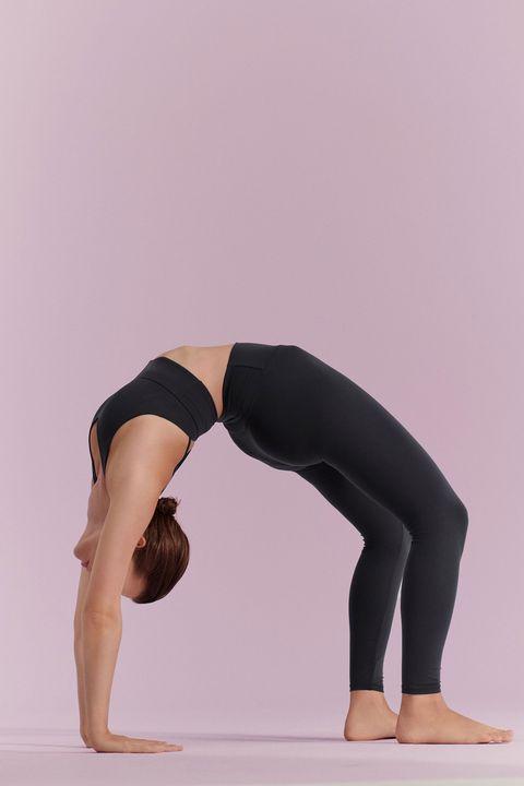 modelos con prendas de la nueva colección de yoga comfortlux de oysho