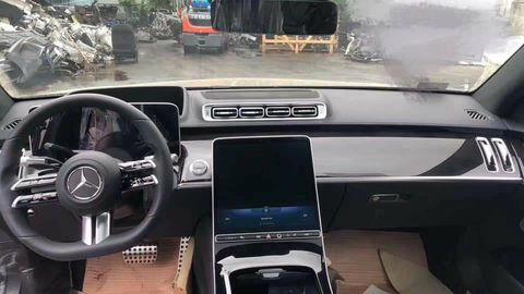 2021 mercedes benz s class w223 interior photo showing large infotainment screen