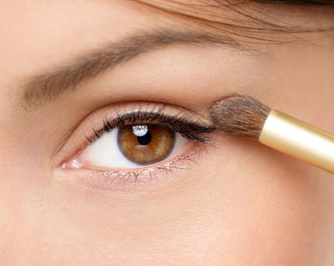 How to Combat Oily Eyelids So Your Makeup Stays in Place