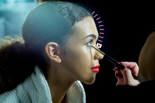 el 'eyeliner' de moda se consigue con dos delineadores