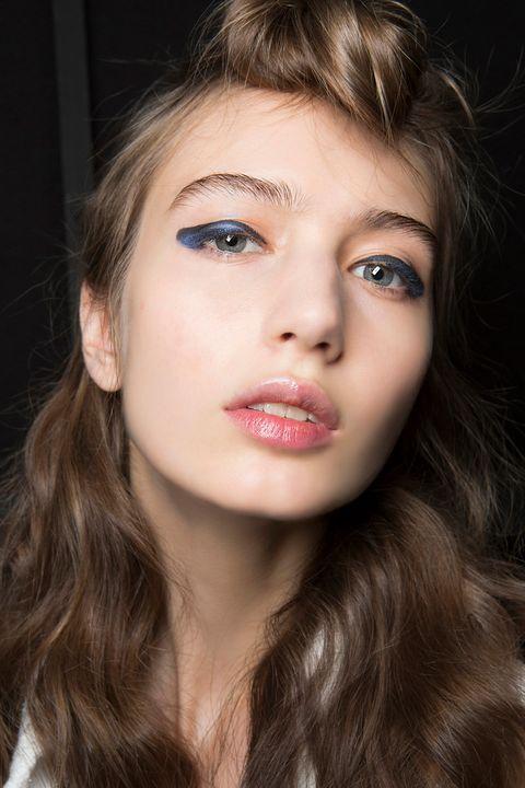 eyeliner azul