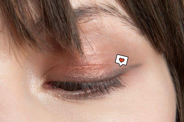 'eyeliner' marrón, el favorito de las chicas de 20 años
