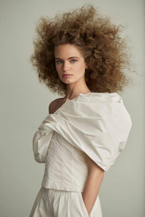 Hair, Fashion model, White, Shoulder, Clothing, Hairstyle, Beauty, Lip, Model, Photo shoot,