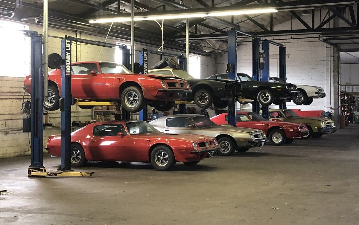 Pontiac Firebird Lovers Need to See This Barn Find Auction