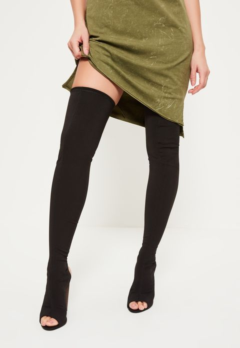 Brown, Sleeve, Human leg, Textile, Joint, Style, Waist, Knee, Fashion, Thigh,