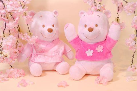 兩隻粉色的小熊維尼