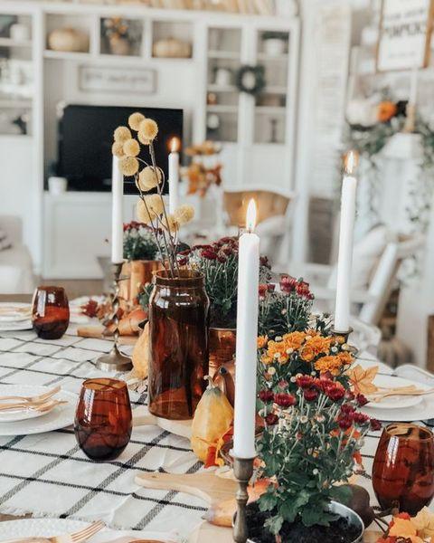 amber thanksgiving table   elle decor
