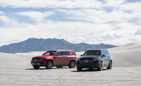 Land vehicle, Vehicle, Car, Automotive design, Natural environment, Sport utility vehicle, Landscape, Mid-size car, Tire, Sand,