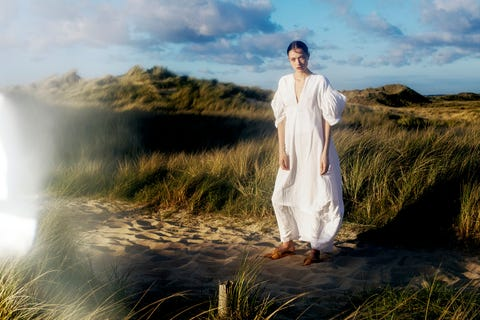 People in nature, Nature, Sky, Atmospheric phenomenon, Grass, Beauty, Dress, Photography, Grassland, Grass family,
