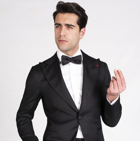 Suit, Clothing, Formal wear, Tuxedo, Blazer, Outerwear, Sakko, Tie, White-collar worker, Button,