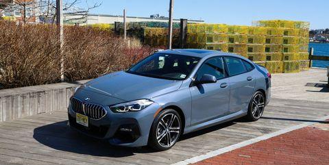 Land vehicle, Vehicle, Car, Luxury vehicle, Automotive design, Mid-size car, Motor vehicle, Personal luxury car, Performance car, Rim,
